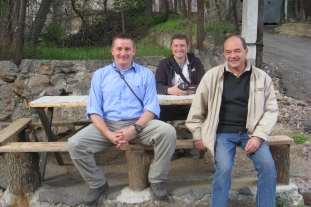 Gunther Loiskandl, Michael Jungmeier and George Fayvush in Tsav village (16.10.2010)