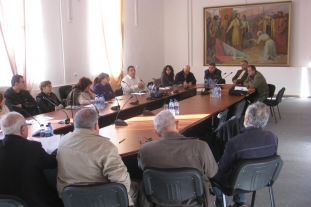 Discussion in Kapan (23.11.2011)