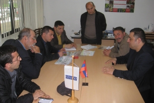Discussion in Kapan (29.04.2011)