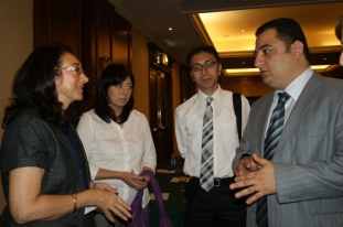 From left - Rosa Chiappe (PALM Project Manager), from right - Vahe Mambreyan (AM Partners) (Yerevan, 20.06.2011.)