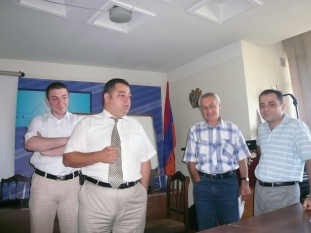 Vahe Mambreyan and the managers of NSS divisions are discussing the  Action Plan of the National Statistical Master Plan (Yerevan, 25.06.2010)