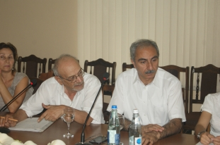 Armen Poghosyan (Consumers Association), Karen Chilingaryan (Consumers Consulting Center)